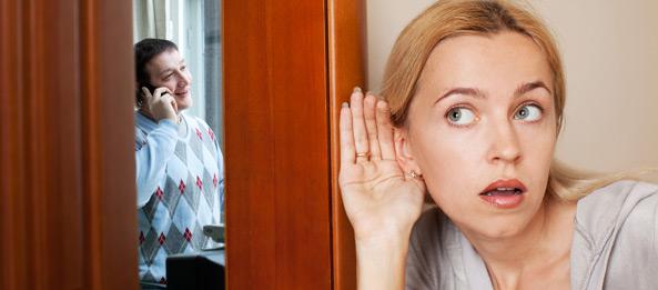 Kann eine Kartenlegerin herausfinden, ob der Partner fremd geht?