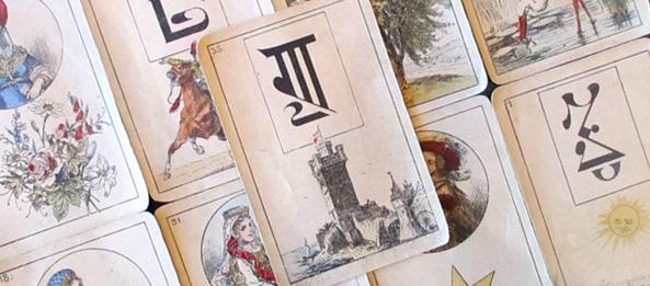 Lenormandkarte – Der Turm 19: Deutung, Bedeutung, Kombinationen
