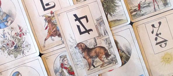 Lenormandkarte – Der Hund 18: Deutung, Bedeutung, Kombinationen