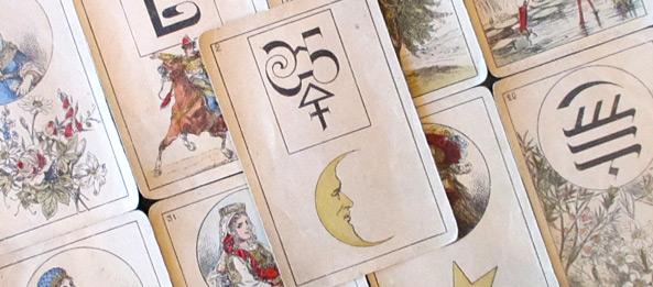 Lenormandkarte – Der Mond 32: Deutung, Bedeutung, Kombinationen