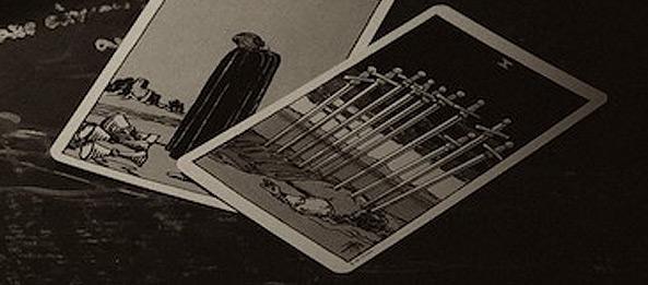 Tarotkarte – 10 der Schwerter